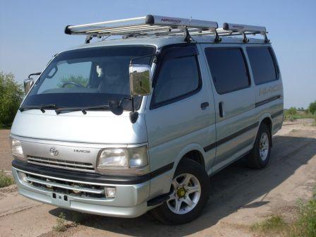 Toyota Hiace 2003 - отзыв владельца