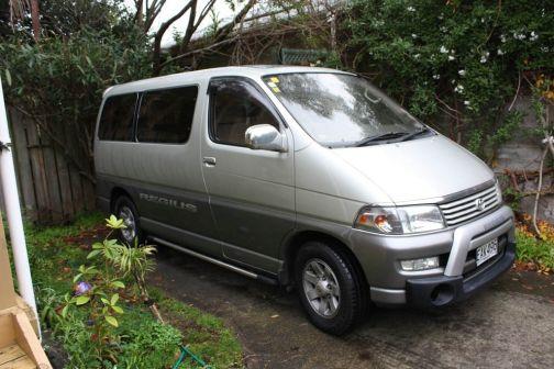 Toyota Hiace Regius 1997 - отзыв владельца