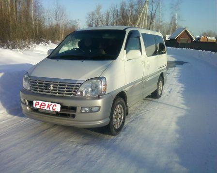Toyota Hiace Regius 2000 - отзыв владельца