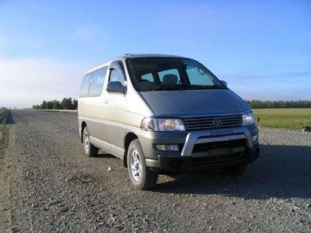 Toyota Hiace Regius 1999 - отзыв владельца