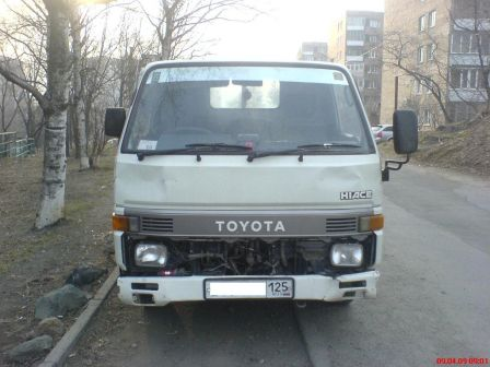 Toyota Hiace Truck 1992 - отзыв владельца