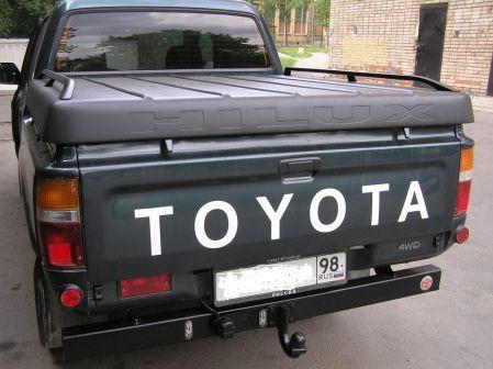 Toyota Hilux Pick Up 1995 - отзыв владельца