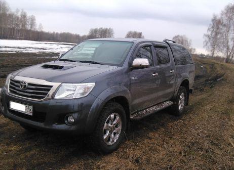 Toyota Hilux Pick Up 2012 - отзыв владельца