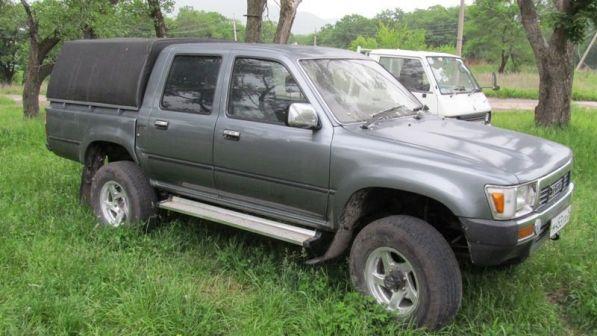 Toyota Hilux Pick Up 1990 - отзыв владельца