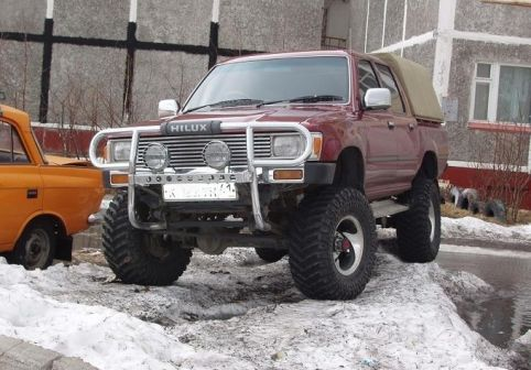 Toyota Hilux Pick Up 1991 - отзыв владельца