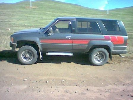 Toyota Hilux Surf 1986 - отзыв владельца