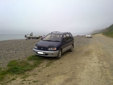Toyota Ipsum 1997 отзыв автора | Дата публикации 30.08.2011.