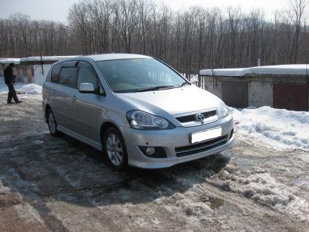 Toyota Ipsum 2005 - отзыв владельца