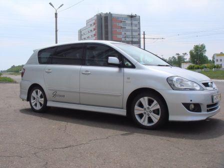 Toyota Ipsum 2003 - отзыв владельца