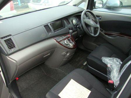 Toyota Isis 2006 - отзыв владельца
