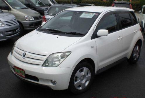 Toyota ist 2002 - отзыв владельца