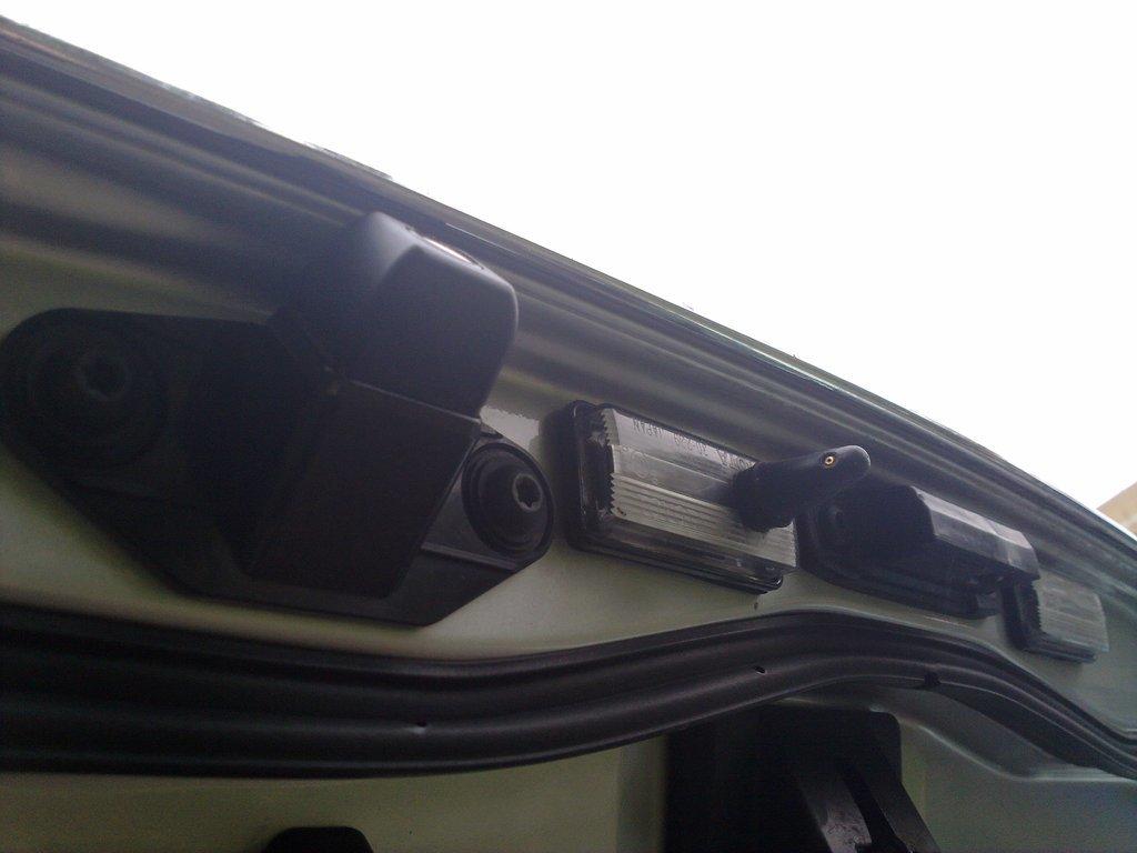 Ремонт сколов лобового стекла на серова