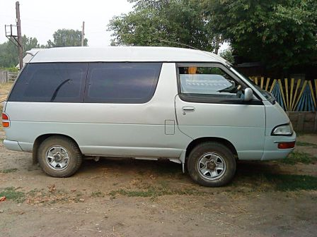 Toyota Lite Ace 1996 - отзыв владельца