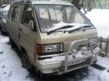 Toyota Lite Ace 1987 - отзыв владельца
