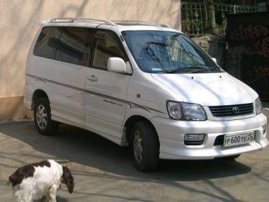 Toyota Lite Ace Noah, 2000