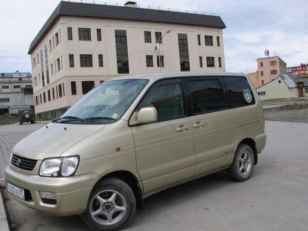 Toyota Lite Ace Noah 2001 - отзыв владельца