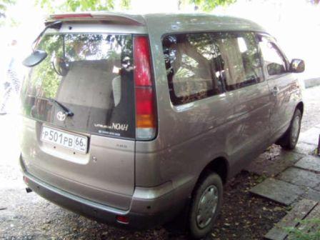 Toyota Lite Ace Noah 1996 - отзыв владельца