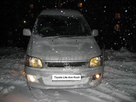 Toyota Lite Ace Noah 1997 - отзыв владельца