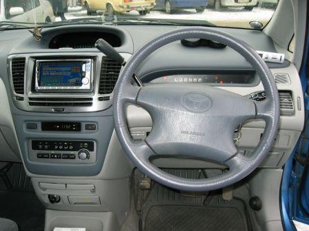 Toyota Nadia 1999 - отзыв владельца
