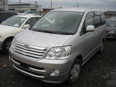 Toyota Noah, 2002