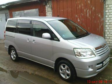 Toyota Noah, 2001