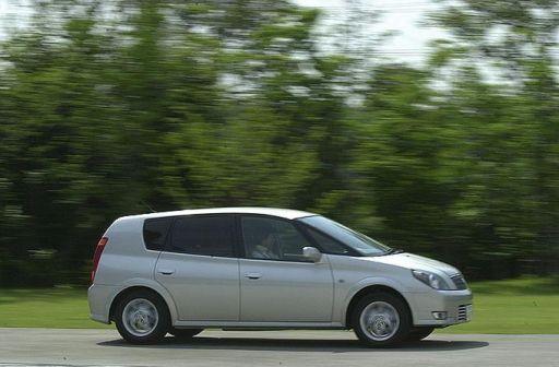 Toyota Opa 2000 - отзыв владельца