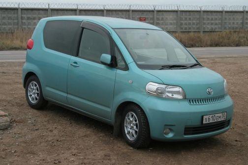 Toyota Porte 2004 - отзыв владельца