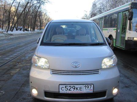 Toyota Porte 2007 - отзыв владельца