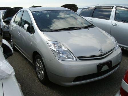 Toyota Prius 2004 - отзыв владельца