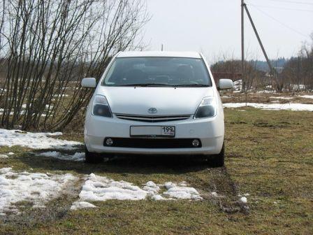 Toyota Prius 2005 - отзыв владельца