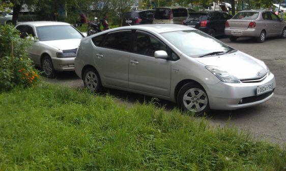 Toyota Prius 2008 - отзыв владельца