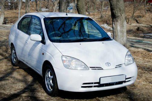 Toyota Prius 2002 - отзыв владельца