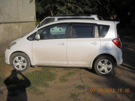 Toyota Ractis 2006 - отзыв владельца