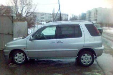 Toyota Raum 1998 отзыв автора | Дата публикации 20.04.2006.