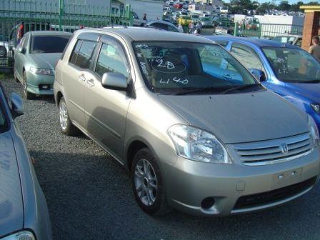 Toyota Raum 2004 - отзыв владельца