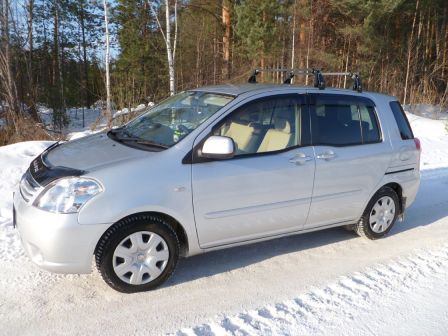 Toyota Raum 2007 - отзыв владельца