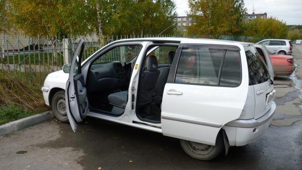 Toyota Raum 1999 - отзыв владельца