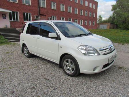 Toyota Raum 2008 - отзыв владельца
