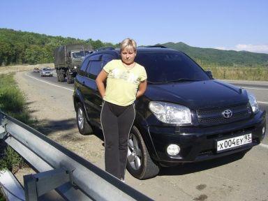 Toyota RAV4, 2004