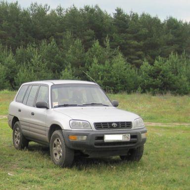 Toyota RAV4, 1998