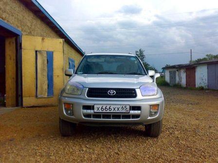 Toyota RAV4 2000 - отзыв владельца