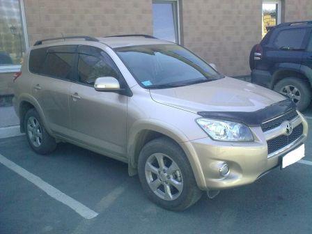 Toyota RAV4 2010 - отзыв владельца