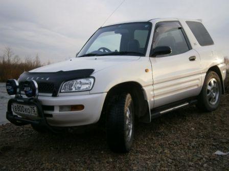 Toyota RAV4 1996 - отзыв владельца