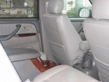 Toyota Sequoia, 2005