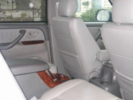 Toyota Sequoia 2005 - отзыв владельца