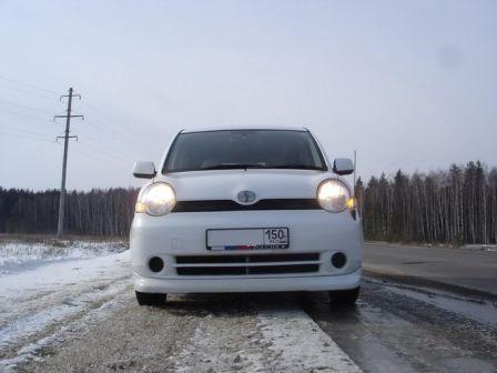 Toyota Sienta 2004 - отзыв владельца