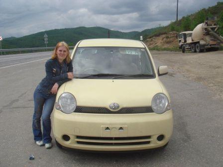 Toyota Sienta 2005 - отзыв владельца