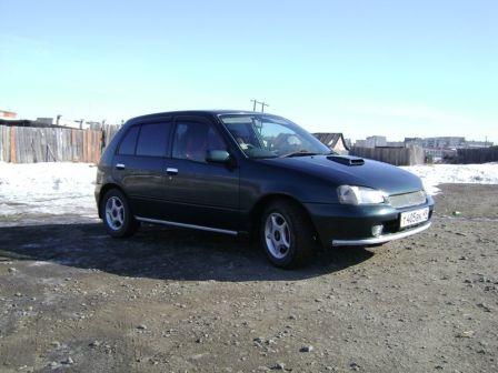 Toyota Starlet 2010 - отзыв владельца