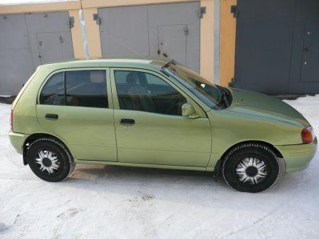 Toyota Starlet 1998 - отзыв владельца