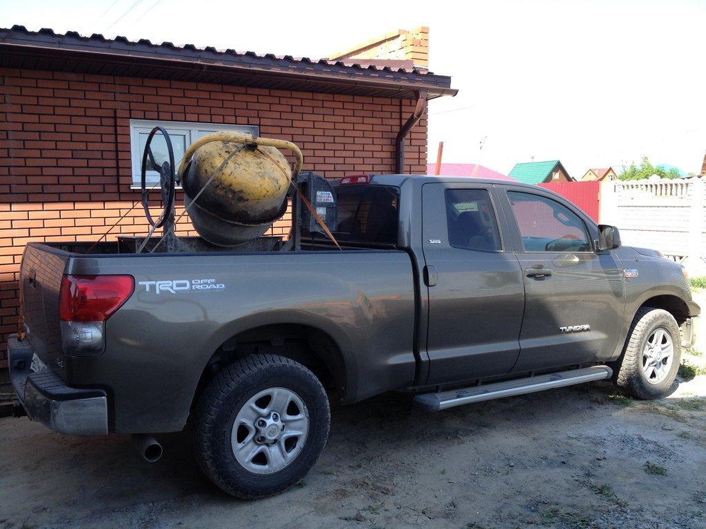 перевозка снегохода в тойота тундра